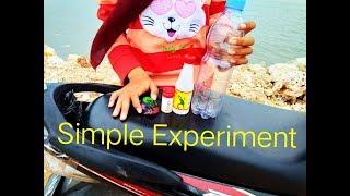 Simple Ecperiment (Vinegar and baking soda)    by Dika Isnaini F