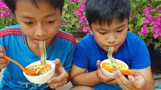 Trò Chơi Ăn Mì Trộn ❤ ChiChi ToysReview TV ❤ Đồ Chơi Trẻ Em Baby Doli