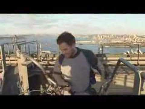 Michael Weatherly climbs the Sydney Harbour Bridge Video