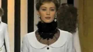 Download Lagu Valentino Fall 1994 Fashion Show (full pt3) Gratis STAFABAND