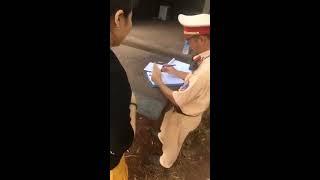 CSGT Ngã 3 Dầu Giây, Đồng Nai, bắn tốc độ chỉ cho xem ảnh qua Ipad, ko cho xem máy bắn,nhờ làm chứng