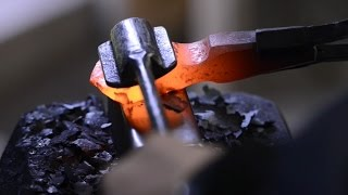 Blacksmithing - Forging a Brian Brazeal style hot cut hardie