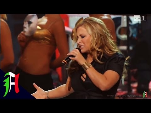 Anastacia - Left Outside Alone @ Radio City Music Hall (New York, 14.02.2011) Part 3/3