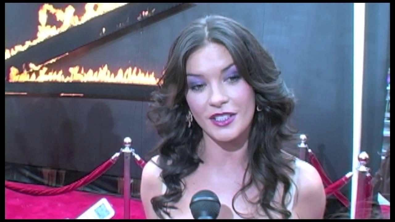 Catherine Zeta-Jones Interview - The Legend of Zorro - YouTube
