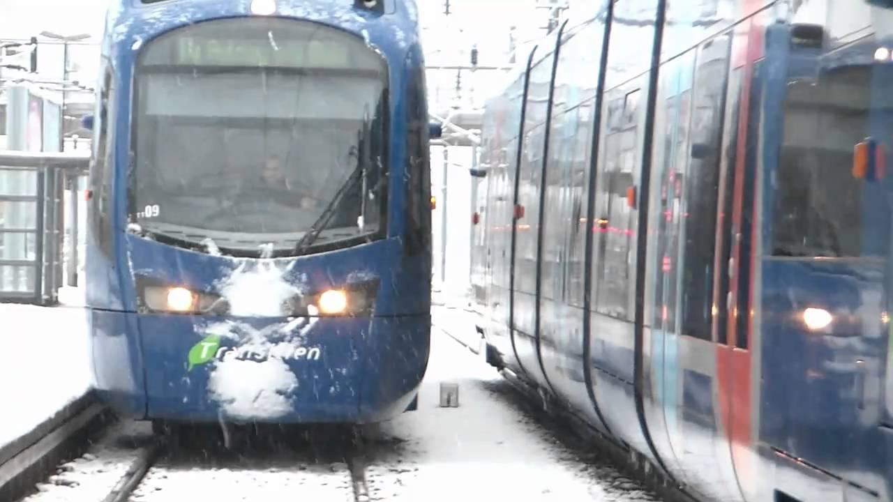 Gare terminus dAulnaysousBois sous la tempête de neige  YouTube