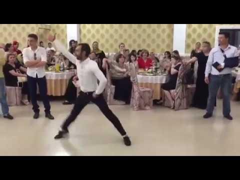 Профессиональные танцоры лезгинки, Буйнакск