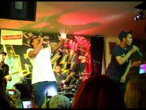 Rizzle Kicks - Miss Cigarette - Blackberry Live and Lost Tour