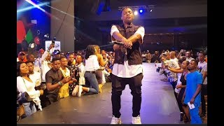THE SHAKU SHAKU MASTER! OLAMIDE LATEST PERFORMANCE 2018 ON STAGE