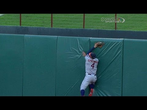 Springer makes an incredible catch in center