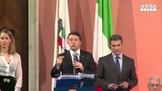 video Il presidente del Consiglio, Matteo Renzi annuncia la candidatura dell'Italia ai Giochi Olimpici 2024, nel corso della cerimonia dei Collari d'Oro del Coni: