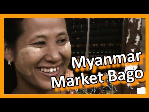 Myanmar 2012 -  Open air market in Bago near Yangon (1017)