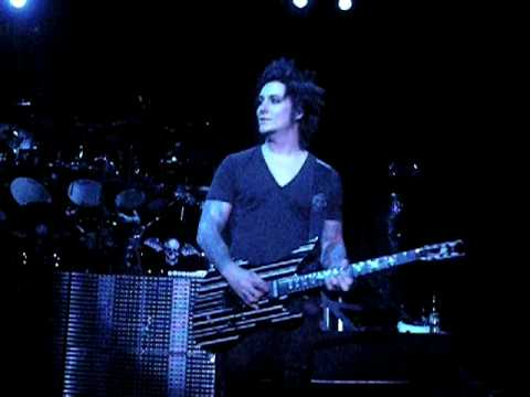 A7X~Synyster Gates Solo~Indy '09