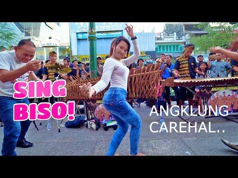 Duh Serunya SING BISO - Goyang Dengan Musik Angklung Carehal Jogja emg Mantap (Angklung Malioboro)
