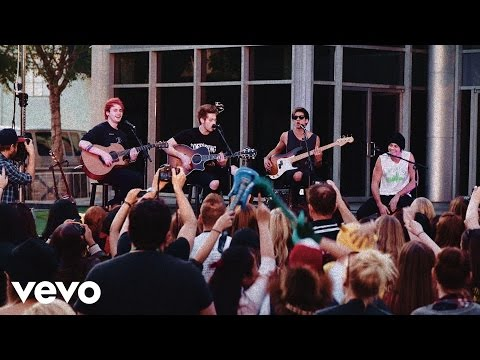 5 Seconds Of Summer - Good Girls (live At Derp Con) video