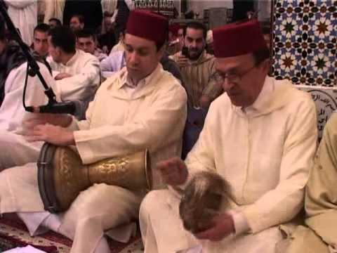 الفنان سعد التمسماني بمعية جمعية تراث بطنجة إحتفالا بذكرى مولد خير البرية لعام 1431