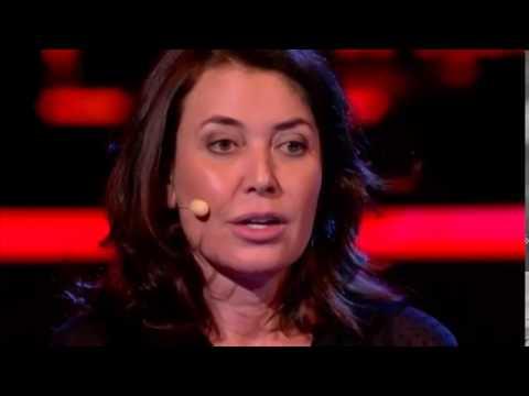 """Sabrina Guzzanti presenta il suo film """"La trattativa"""" a Servizio Pubblico"""