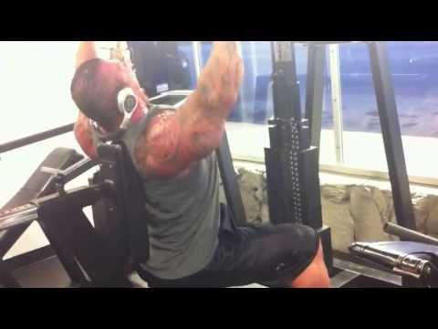 Rich Piana monster set on shoulder press Image 1