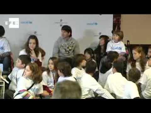 Messi desborda ilusión entre los niños en un acto de UNICEF