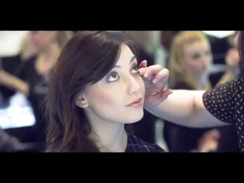 Daisy Lowe makeup tutorial | 60's eyes and sculpted cheeks