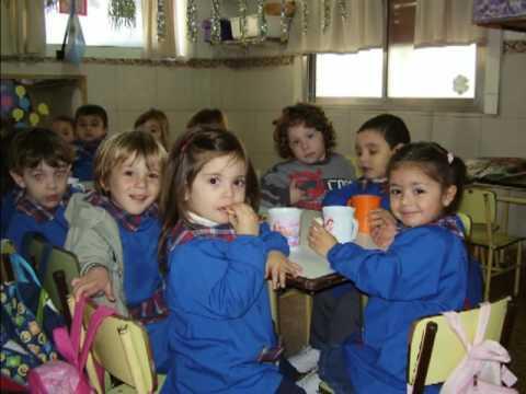 Jard n de infantes mi nidito sala violeta 2009 youtube for Azul naranja jardin de infantes