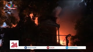Hiện trường đám cháy trên đường Đê La Thành, Hà Nội | VTV24