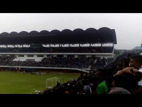 Satu Jiwa Persis Solo Berkumandang di Maguoharjo international stadium 10 Oktober 2017