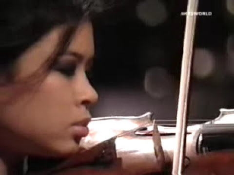 Vanessa-Mae plays one of Bach's most famous compositions: Partitia in E for solo violin.