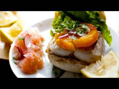 Florida Lunch: Grilled Mahi Mahi Sandwich & Citrus Salad