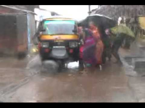 phailin cyclone odisha orissa storm rough sea heavy waves