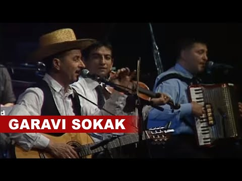 Garavi Sokak - Ponekad - YouTube