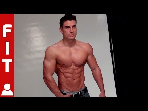 THE FITNESS MODEL BODY - RYAN TERRY WORKING OUT