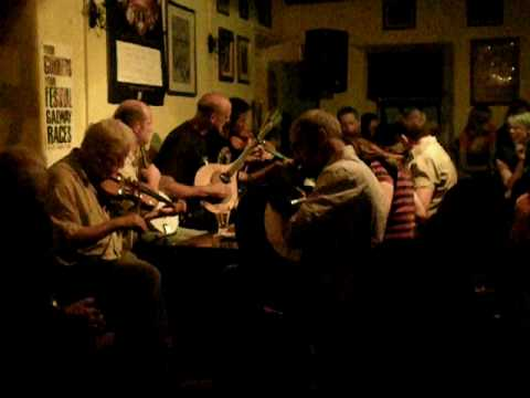 Open Session in the Crane Bar (Galway)