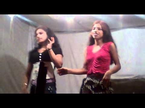 Desi Randi Dance In  Nauchandi Mela Meerut City video