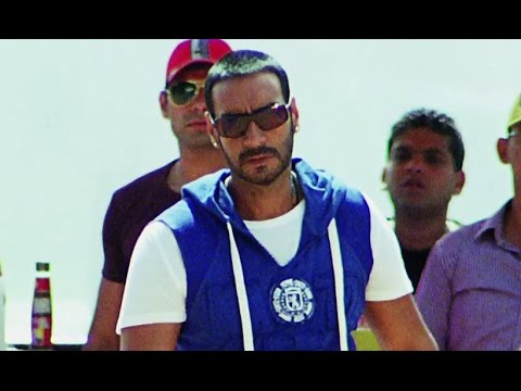Ajay Devgn's Matrix Stunts - Golmaal 3
