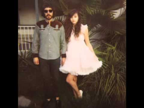 POP LEVI &amp; BUNNY HOLIDAY - LA Runaway [from &#039;LEVITATION VOL. 1&#039; Mixtape]