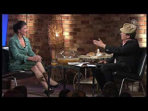 Sahra Wagenknecht (1/2) bei Pelzig unterhält sich 20.05.2010 - HD - Part 5 / 9