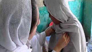 Women's Nurse Helps the Victims of the Pakistan Flood