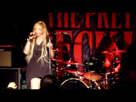 "The Pretty Reckless (Taylor Momsen) - ""Factory Girl"" Live - Seattle, WA - 03-17-12"