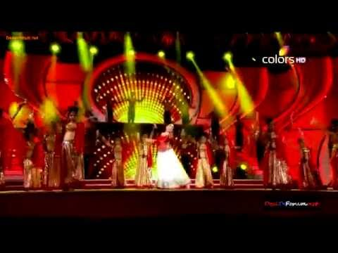 Madhuri Dixit Full Performance At Stree Shakti Awards 2014 !!! video