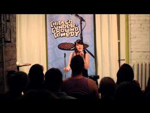 Sydney Davis Jr. Jr. Hosts Chicago Underground Comedy