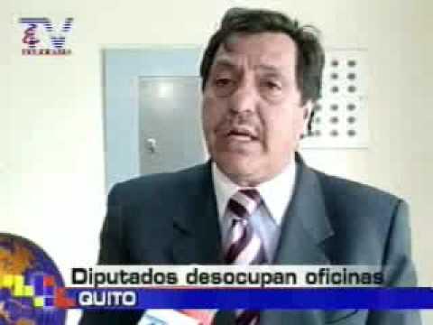 Diputados desocupan oficinas Quito