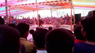 Bangla Dance a little girl with a hindi song