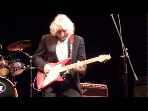 Albert Lee: Real Wild Child (by Johnny O'Keefe)