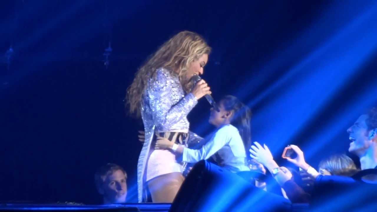 I Am World Tour Beyonce Halo