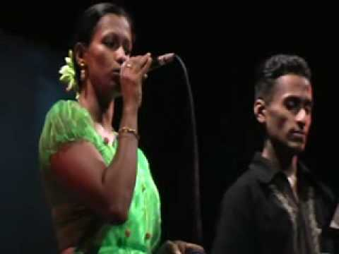 Old Sinhala Songs  Musical  Show 2010 [ Sri Lanka] video