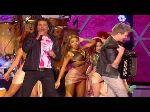 Carlos Vives & Michel Tel - Como Le Gusta A Tu Cuerpo @ Premios Billboard