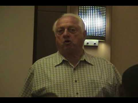 Tommy Lasorda speaks to the Colorado State Rams