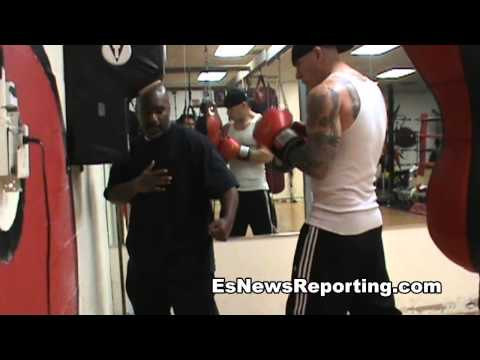 boxing footwork how to pivot - EsNews Boxing Image 1