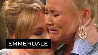 Emmerdale - Victoria Breaks the Terrible News About Finn