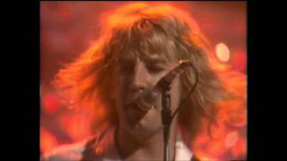 Watch Status Quo Rockers Rollin video